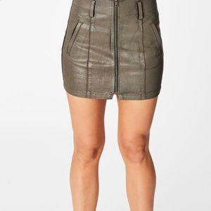 Carmar Taup Wax skirt size 27